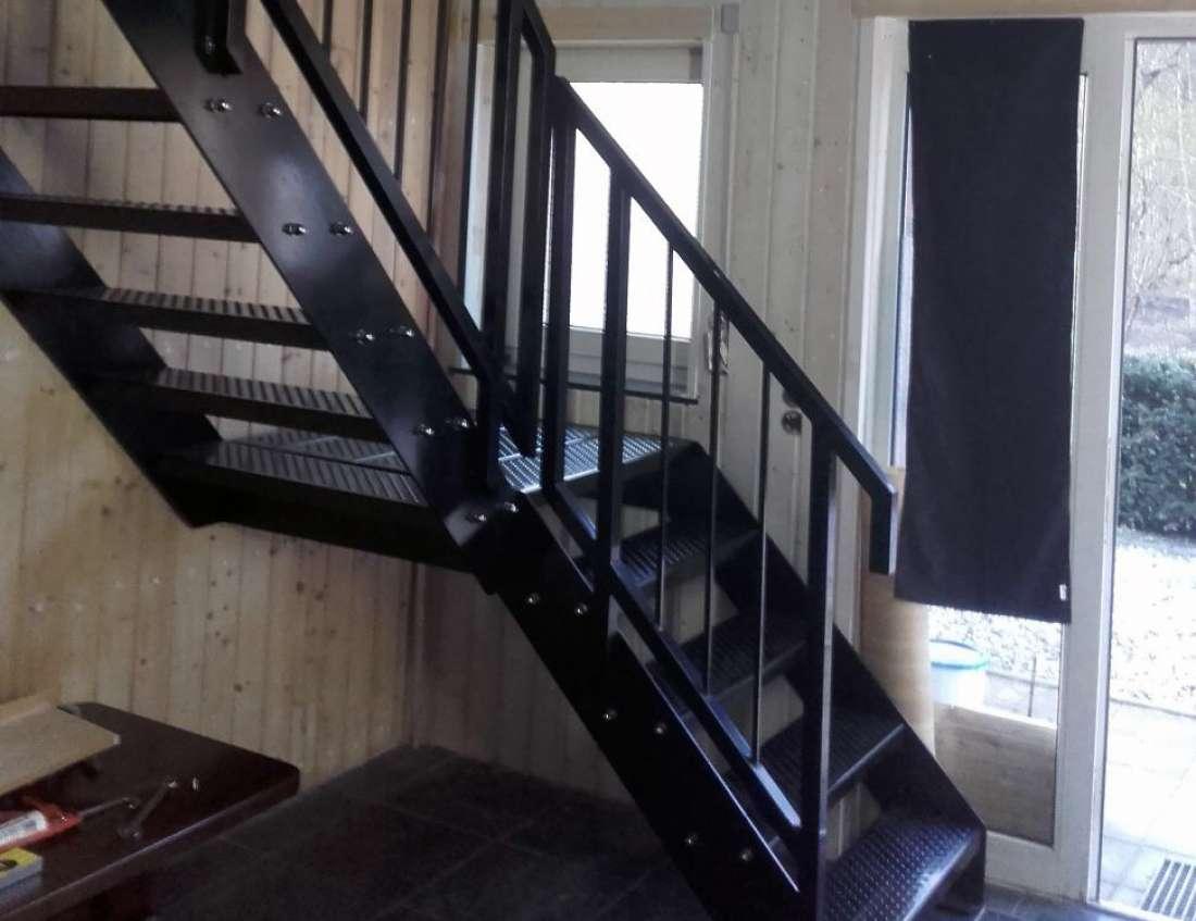 Metalen trappen design of brandtrappen op maat for Trap op maat bestellen